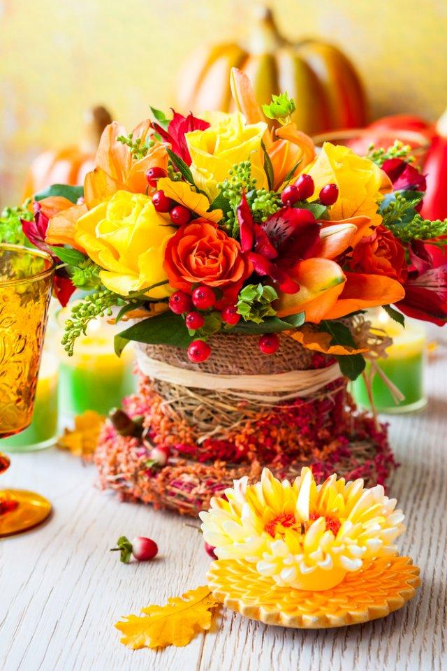 Aranjament floral pentru masa festiva