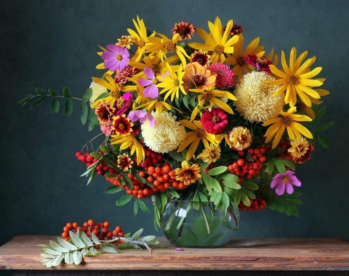 Buchet de toamna cu flori de gradina