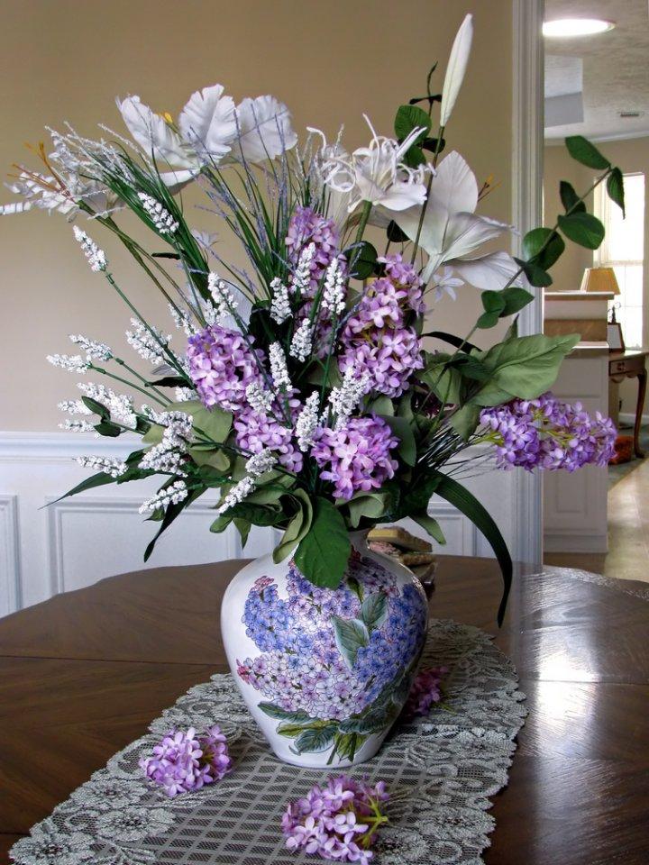 Aranjament floral cu liliac