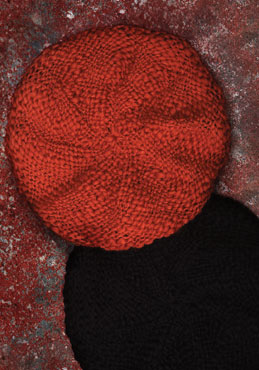 Bereta rosie tricotata