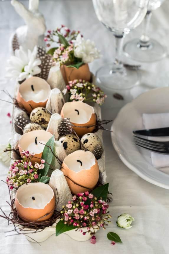 Decoratiune centrala de masa cu coji de oua drept suport de lumanari