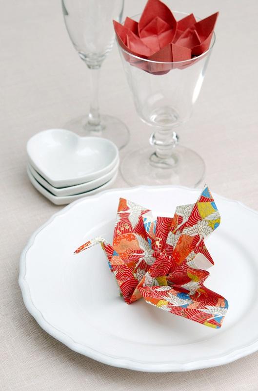 Stiati ca initial traditia japoneza origami presupunea confectionarea de cocori, berze si corabii din hartie? Cocorul, spre exemplu, este vestitorul primaverii.
