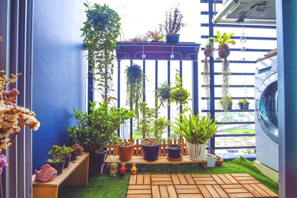 Gazonul artificial poate recrea in balconul tau acea senzatie de verde luxuriant pe care doar natura o poate oferi