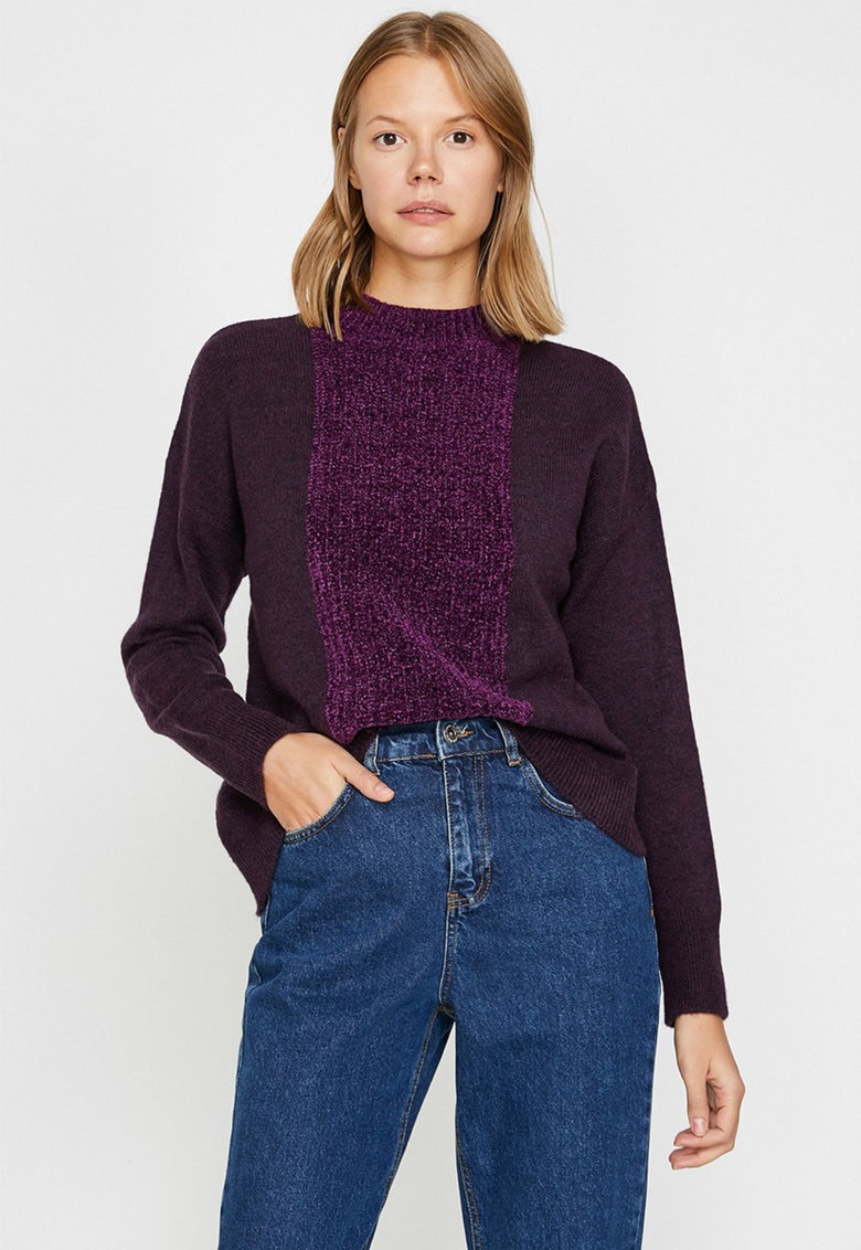 Pulover uni violet, dar cu dual impact