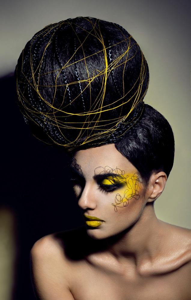 Hairstyling creativ realizat pentru un shooting de arta