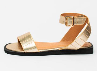 Sandale aurii cu talpă joasă și aspect piele de crocodil