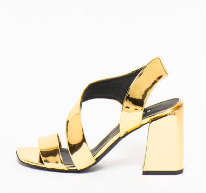 Sandale aurii lăcuite cu toc masiv