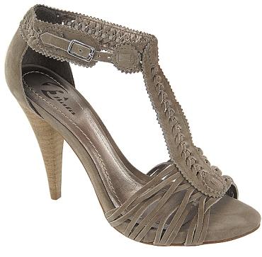 Pantofi-sandale cu impletituri