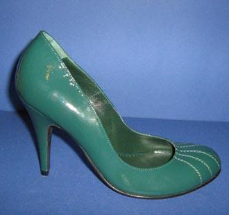 Pantofi din piele lacuita verde