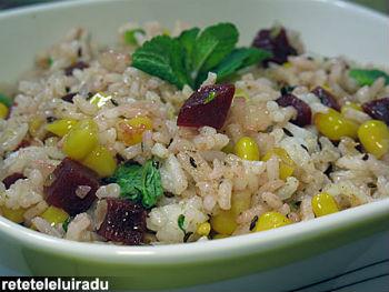 Retete culinare de post: orez cu sfecla si porumb
