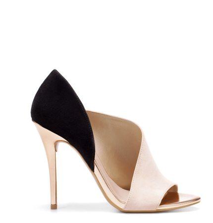 Pantofi-sanda decupati