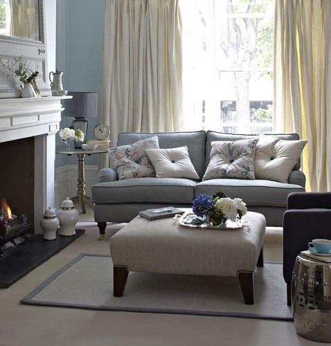 Canapea in stil clasic
