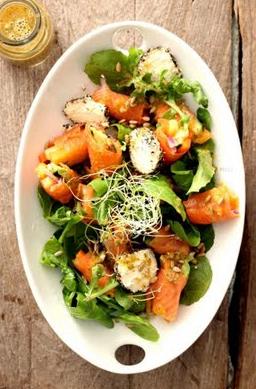 Salata sushi cu dressing Asiatic