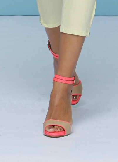 Pantofii fluorescenti