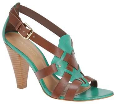 Sandale cu toc conic