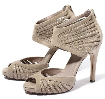 Sandale cu glezna acoperita