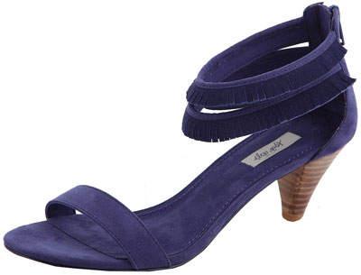 Sandale cu toc si minifranjuri